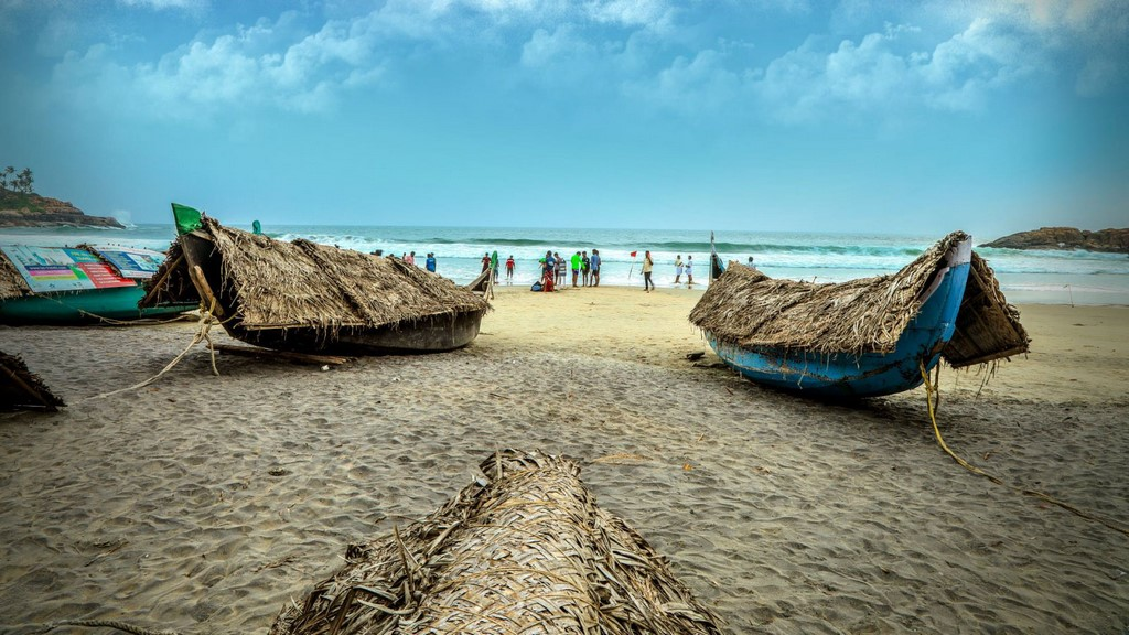 Beaches: Beautiful Kovalam Beach at Kerala